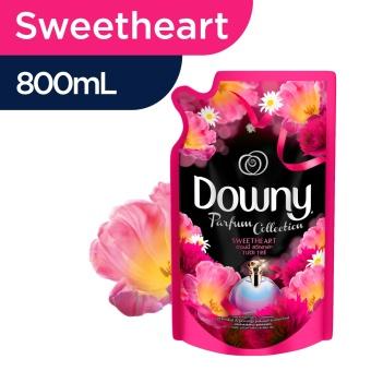Downy Pelembut dan Pewangi Pakaian Sweetheart Refill 800mL