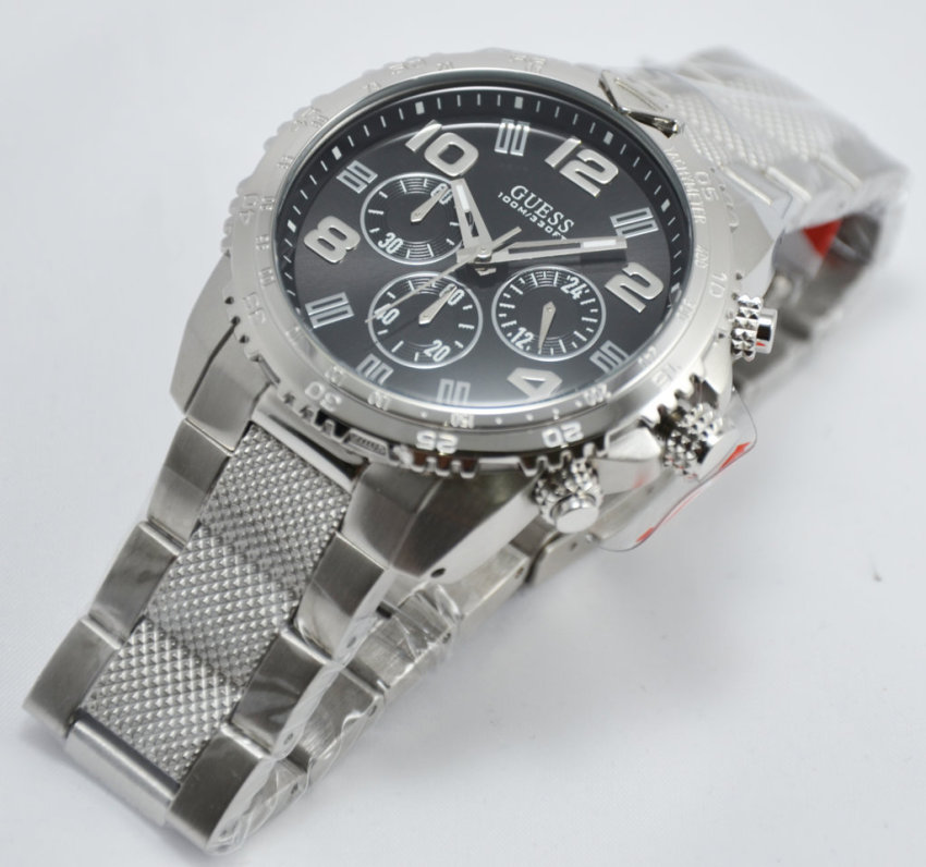 Guess W0598G2 Velocity Jam Tangan Pria Stainless Steel Chronograph Guess Watch .