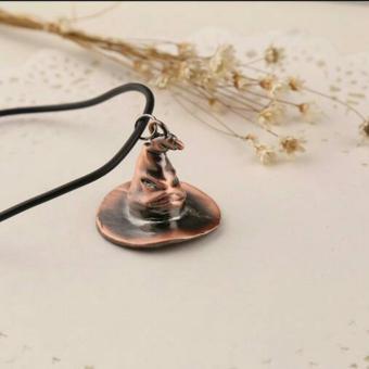 3484b1b8623 HengSong Alat Cosplay Harry Potter Wol Topi Hijau. Source · Kalung Pria .