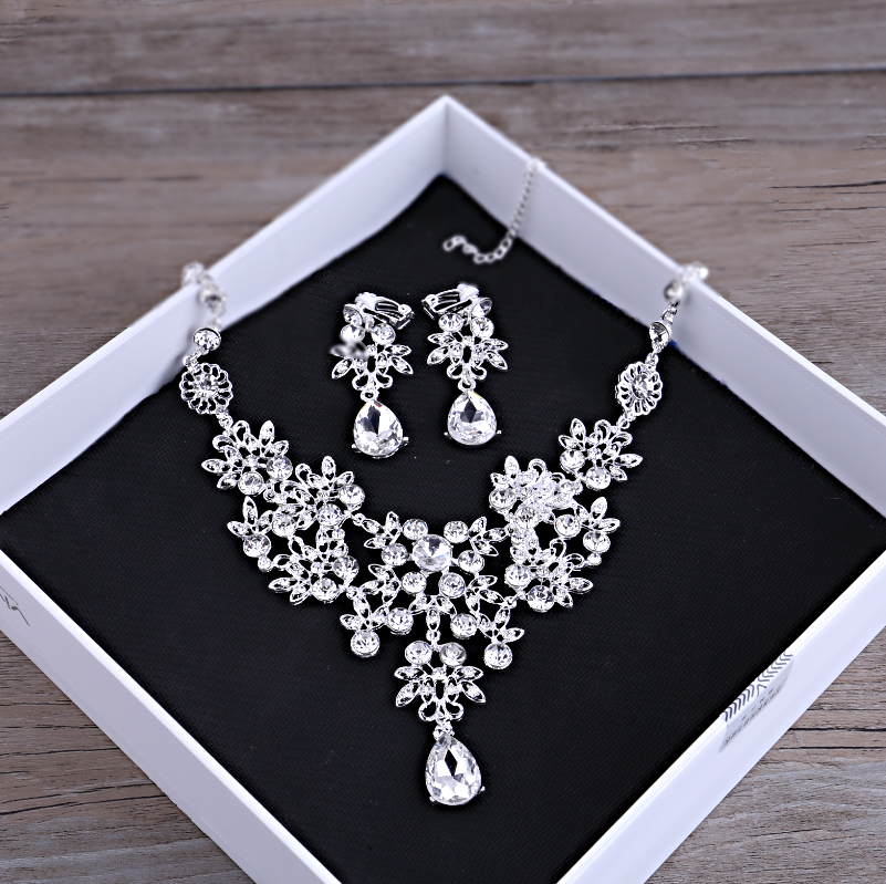Cheap online Model Korea Batu Kristal Air Gaun Pengantin Menikah Gaun Set Kalung Mutiara